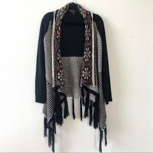 Beautiful patterned cardigan with tassels